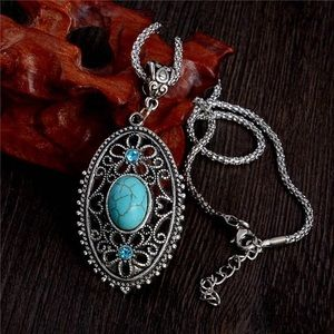 Jewelry - Hollow Necklace
