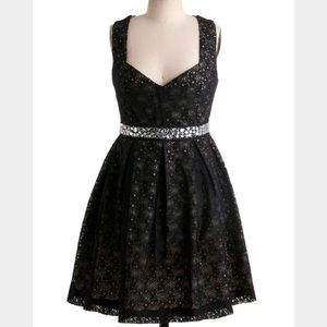 Modcloth Eyelet Up the Room Dress M
