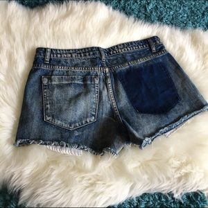 THE FRAYED Shorts - THE FRAYED Mid Rise Cut Off Shorts - SZ: 6