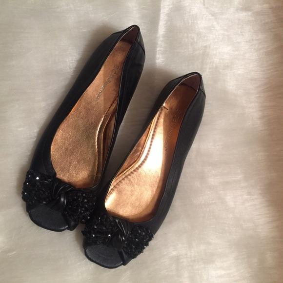 7c44bbeb7d5e97 BCBGeneration Shoes - 💕💕💚BCBG Black Channah Peep Toe Flats💚💕💕