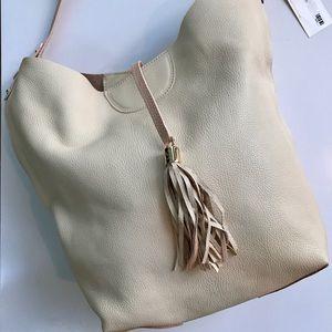 GiGi New York Handbags - BNWT GiGi New York Colette Hobo