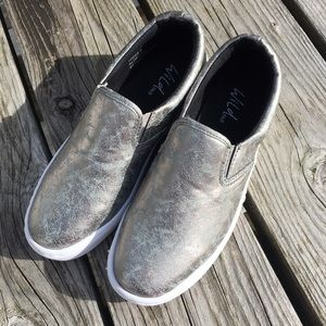 Wild Pair Shoes - Wild Pair Silver Sheen Sneakers! NEW!