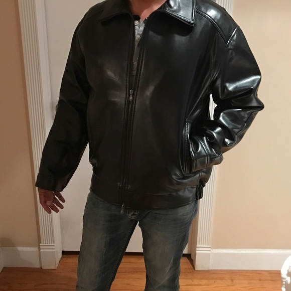 eb97f6fde CV made in Italy black leather jacket NWT