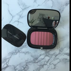 NEW❗️ Marc Jacobs AIR BLUSH