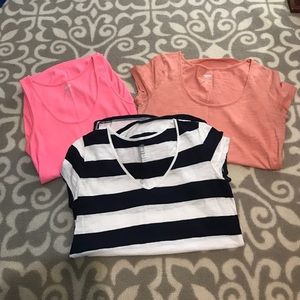 Old Navy Maternity shirt Lot of 3