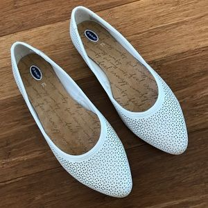 Dr. Scholl's Shoes - NWOT White Flats
