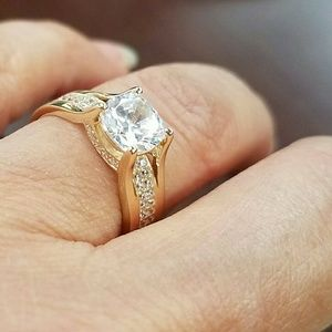 Jewelry - 14k Solid Real yellow Gold Engagement ring