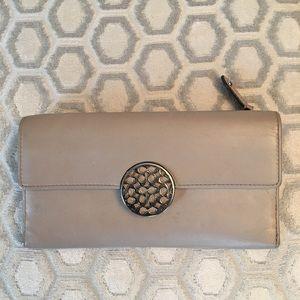 Coach Handbags - 🛍 Coach Tan Champagne Large Snap Wallet