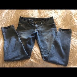 DL1961 Denim - DL Your favorite everyday Jeans