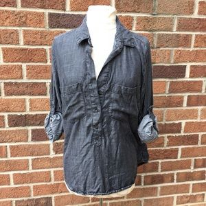 ANTHROPOLOGIE CLOTH & STONE DARK GRAY CHAMBRAY TOP