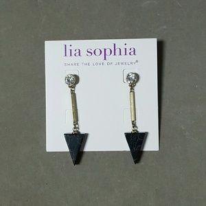 Lia Sophia Jewelry - FLASHSALE🎉Arrow drop earrings