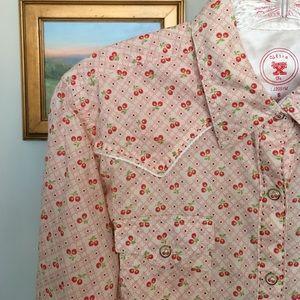 Wrangler Tops - 20X 🍒Cherry Print Cowgirl Shirt size S