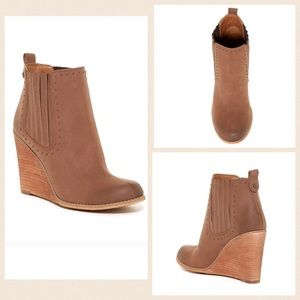 Melrose and Market Shoes - 🆕🎉SALE🎉Melrose and Market Merrit Wedge Booties