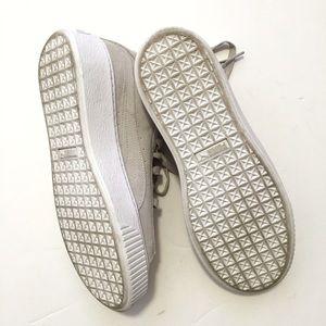 Puma Shoes - Gold Toe Puma Creepers