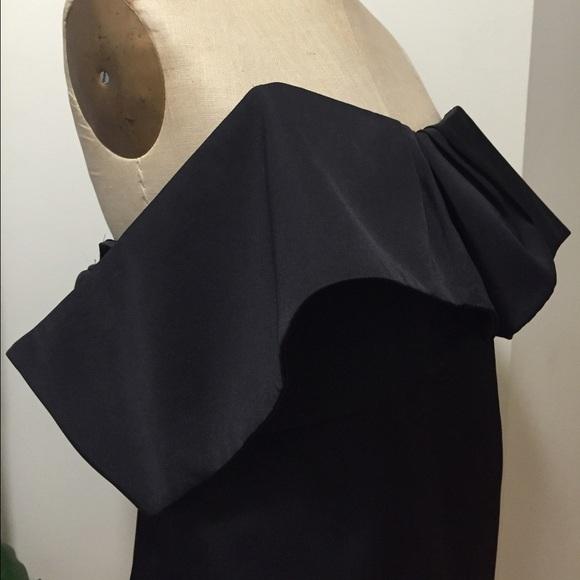 cameo Dresses - Cameo Off the Shoulder Black Dress Size Medium