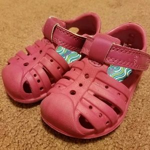 Stride Rite Other - Stride Rite baby girl pink crocs size 4