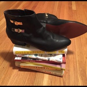Report Signature Shoes - 👢NWOB REPORT SIGNATURE Booties