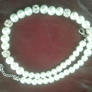 Jewelry - Pearl necklace  adjustable