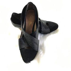 Matt Bernson Shoes - Anthropologie Matt Bernson Black Camus Pumps