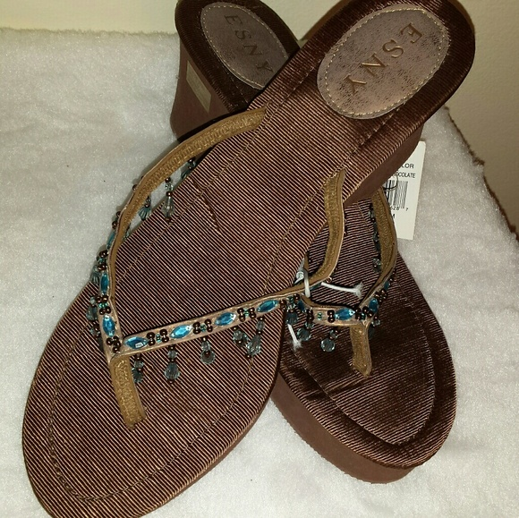 dcaade530 ESNY BRAND NEW SANDALS SIZE 10