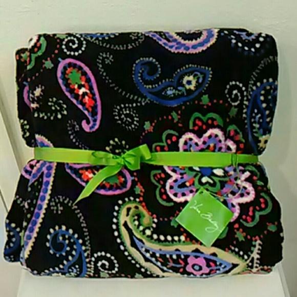 85a15894395b Blanket Throw Vera Bradley black paisley NWT