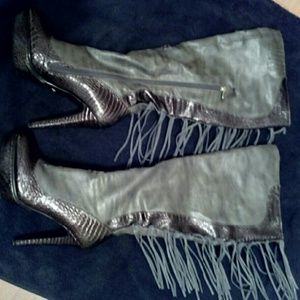 Dereon Shoes - Key lime Grey fringe boots w. Purse