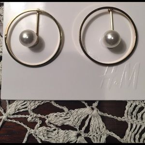 H&M Jewelry - H&M Gold-tone Hoop and Pearl Earrings