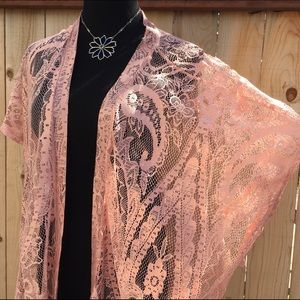 The Hanger Sweaters - 🆕🎁 Fringed Peach Lace Kimono