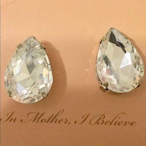 NuBella Jewelry - 🎈SALE Pear Shaped Crystal Earrings [JW-79]