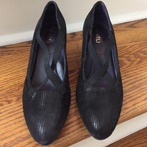 Vaneli Shoes - Van Eli NWOT tried on but never worn black walkers