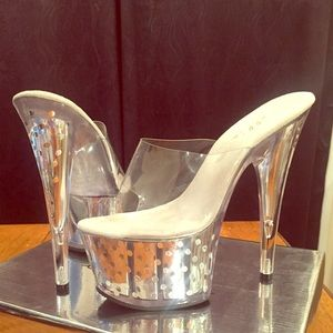 "Ellie Shoes - Ellie ""Brielle"" Shoes (Silver 7"" Mule / Size 8)"