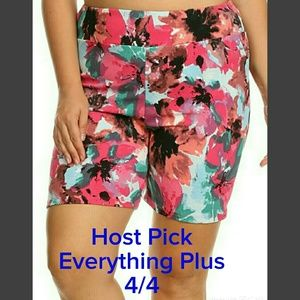 Pants - SALE🔴LAST 2 🔴PLUS Pull on Floral Shorts