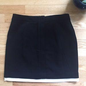Banana Republic Dresses & Skirts - Banana Republic Black Mini Skirt w Cream Underlay