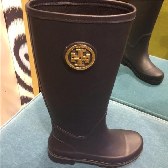 12761511ec7 nwt tory burch sarah rain boot