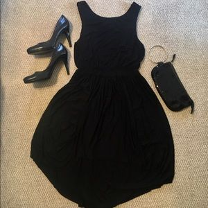 Esley Dresses & Skirts - NWOT♣️Stunning Black Deep-V Backless Dress♣️