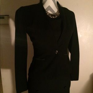 Vintage black blazer sz 4 skull button closure