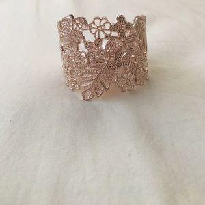 Jewelry - Bronze gold adjustable bracelet
