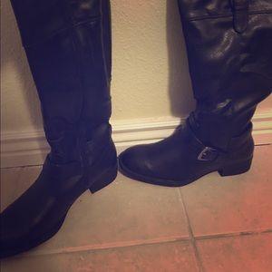 Relativity Shoes - Relativity Black Boots