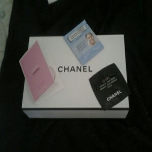 CHANEL  Other - CHANEL CHANCE CHANEL LE LIFT and  Cleansing towel