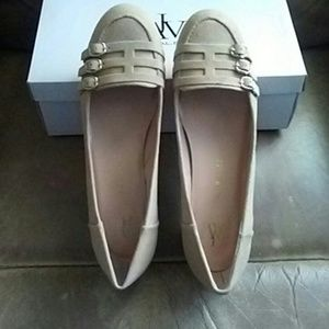 AJ Valenci  Shoes - NIB AJ Valenci camel leather low heels. 12M