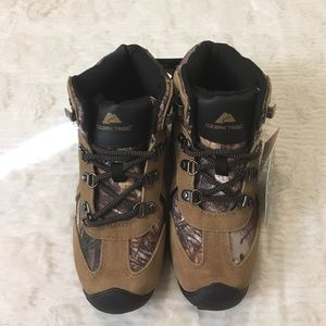 Realtree Ozark Trail  Other - Realtree Ozark Trail Boy's Sz 2 Camouflage Boots