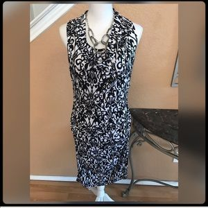 Dresses & Skirts - ✨Gorgeous Black & White Dress✨