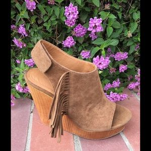 shoeroom21 boutique Shoes - Ladies wedge sandal with side fringe. Camel. NIB