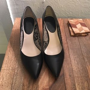 Nine & Co Pointed Black Leather Pumps, size 9