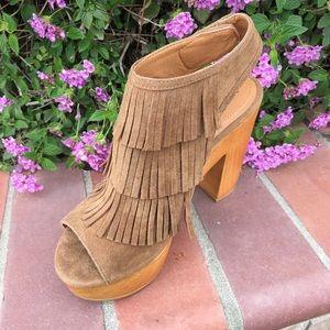 shoeroom21 boutique Shoes - Ladies wood heels sandal with front fringe. Camel