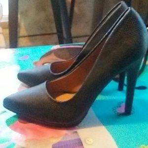 Qupid Shoes - Heels