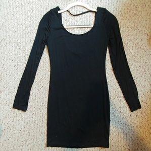 ❤NWOT. Form fitting dress. Never worn!!