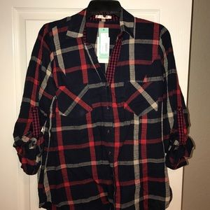 NWT Skies are Blue Lawlwer Navy Top, Med