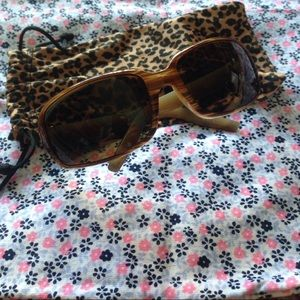 SPY Accessories - A pair of sunglasses for woman