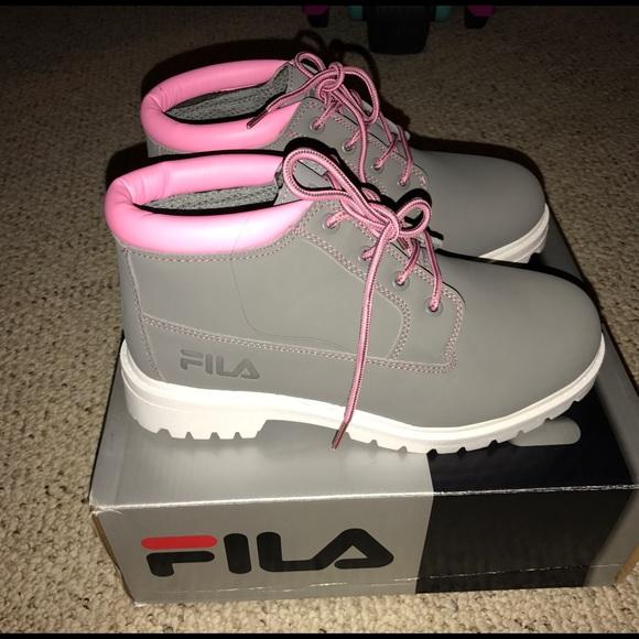 28e5e34b3fc7 Fila Shoes - Size 9 Fila boot